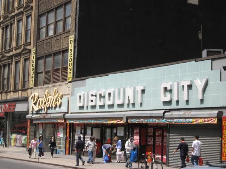 Ralph's Discount City